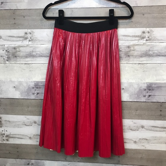 cf9313fd5c Zara Red Faux Leather Skirt Pleated Size Small. M_5c0a36201b32942064f82e6e